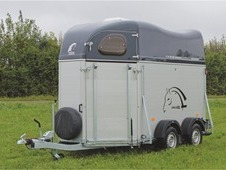 Cheval Liberte XL Diagonal 2 horse herringbone trailer with storage