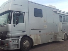 18 tonne Mercedes Horsebox