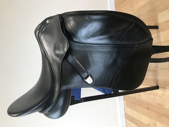 "17"" Black Leather Isabell Dressage Saddle (red gullet)"
