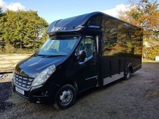 4.5 tonne Renault Master with twin rear wheels and lovely living - No VAT