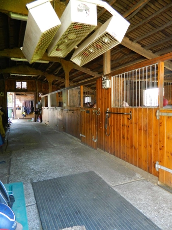 7 Day 5* FULL LIVERY / & Training / Competition NEW PRIVATE YARD * EXCELLENT FACILITIES WITHIN HEIGHTS STABLES