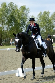 Funny photo competition! Win a dressage lesson with Anna Ross Davies!!